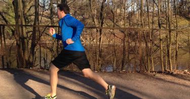 løper i aksjon